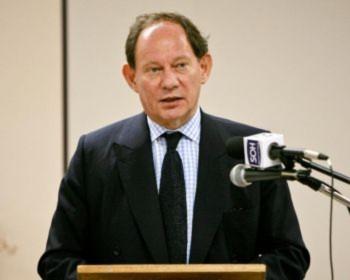 Lên tiếng phản đối cuộc đàn áp Pháp Luân Công đã kéo dài 11 năm