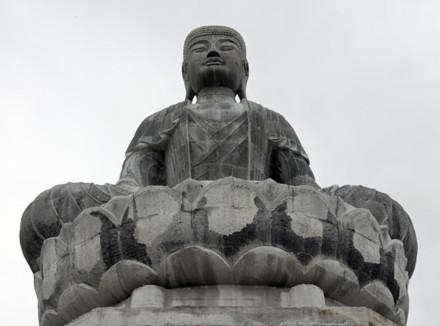 Ngắm pho tượng đá lớn nhất Đông Nam Á