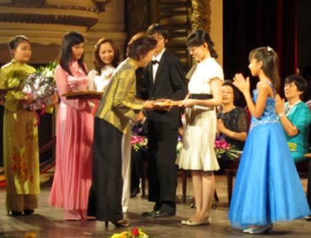 Nhật Bản, Hàn Quốc chiến thắng tại cuộc thi Piano quốc tế 2010