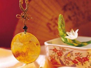 Vào thời Trung Quốc cổ xưa, kết nơ là một loại hình nghệ thuật