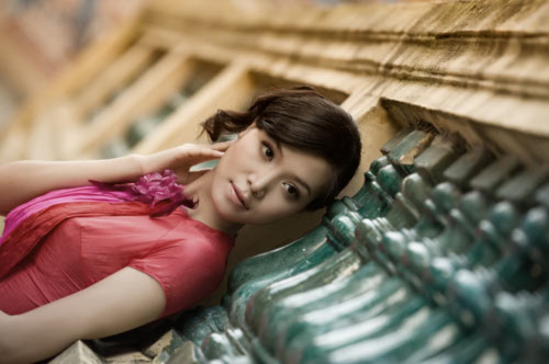 Hoa hậu Thùy Dung dịu dàng giữa phố cổ Hà Thành