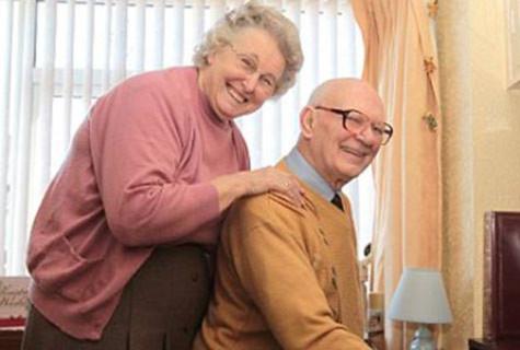Bà cụ 77 tìm được bạn đời trên Facebook