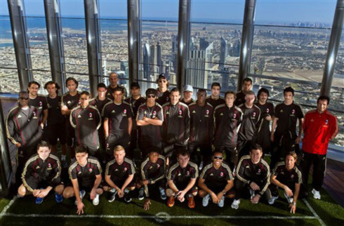 Sao Milan trên tòa tháp cao nhất thế giới