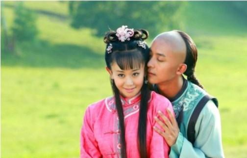 """""""Tân Hoàn Châu Cách Cách"""" tung ảnh lãng mạn của các cặp đôi"""