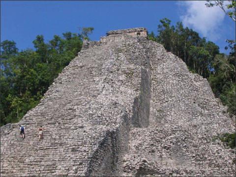 'Đến' những kim tự tháp đẹp nhất thế giới