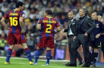 Huyền thoại Real chê Mourinho, khen Barca