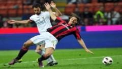 Ibrahimovic tỏa sáng, nhưng Milan vẫn gặp bất lợi