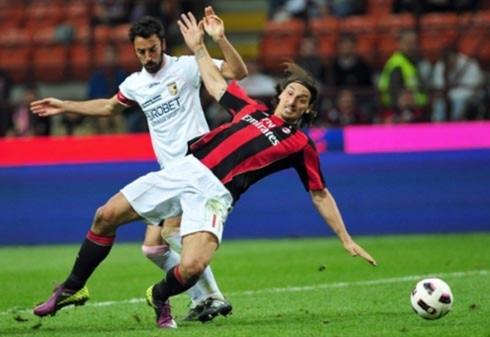 Ibrahimovic ghi một bàn và góp công lớn trong bàn còn lại. Nhưng cảm hứng từ mình anh là không đủ để Milan chiến thắng. Ảnh: AFP.