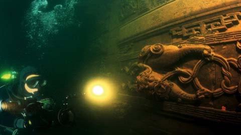 Ngỡ ngàng thành phố 1.300 năm dưới đáy hồ
