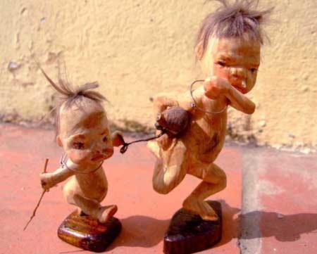 Giới trẻ mê mẩn với búp bê gỗ nghệ thuật