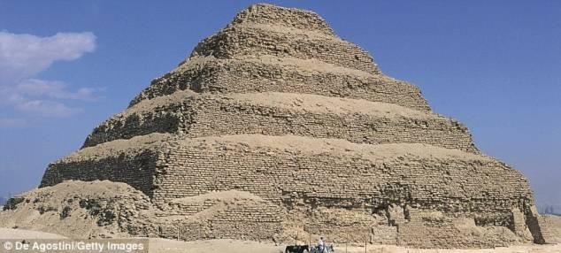 Tìm thấy 17 kim tự tháp, hơn 1.000 mộ nhờ vệ tinh