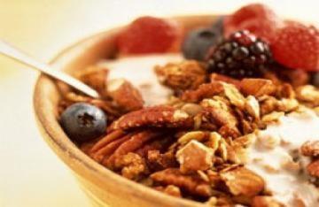 Ăn sữa chua và các loại hạt là cách tốt nhất để giảm cân