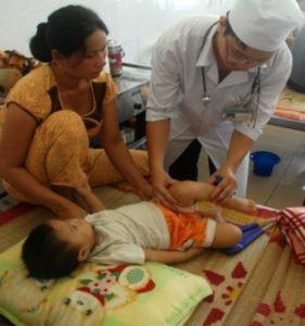Virut tay chân miệng nguy hiểm lan tràn ở Quảng Ngãi
