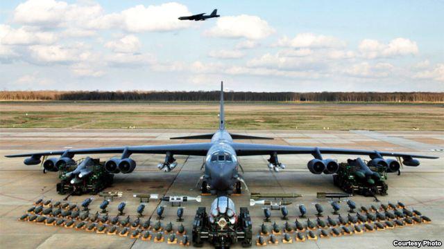 Phi cơ B-52 của Hoa Kỳ, đang diễn tập ở Nam Triều Tiên