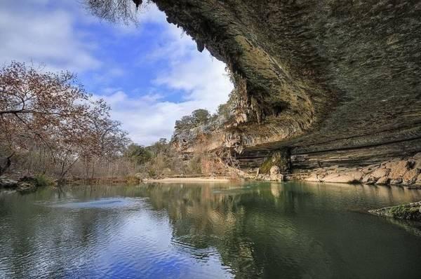 Hồ nước tuyệt đẹp có mái vòm rêu nghìn năm tuổi 2