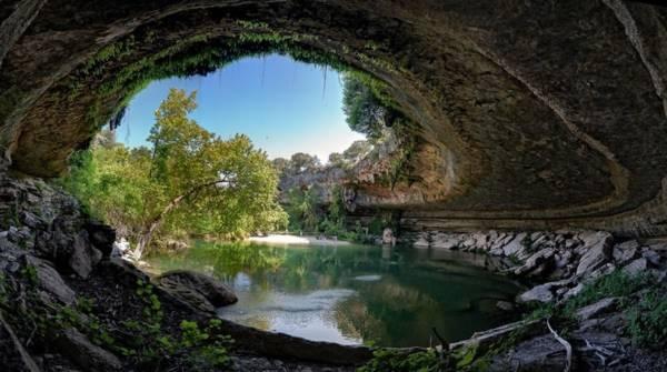 Hồ nước tuyệt đẹp có mái vòm rêu nghìn năm tuổi 13