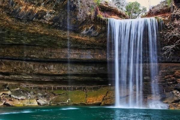 Hồ nước tuyệt đẹp có mái vòm rêu nghìn năm tuổi 4