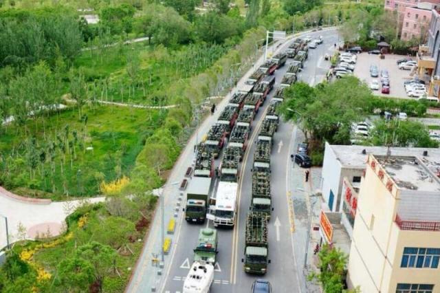 Đường phố Tân Cương Ngày 23 Tháng 5 (Ảnh trên Internet)