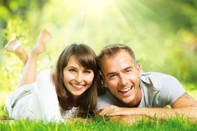 """Ảnh """"cặp đôi"""" trên Shutterstock"""