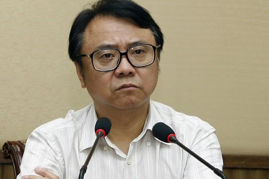 Cựu Chủ tịch Tập đoàn Bright Food Thượng Hải Vương Tông Nam tham dự một cuộc họp tại Thượng Hải vào ngày 30 tháng 7, năm 2012. Vương là một trong những giám đốc điều hành ở Trung Quốc bị điều tra vì tội tham nhũng. (Ảnh internet)