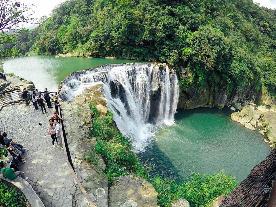 Thác nước Shi Fen đặc biệt hấp dẫn với khách du lịch bụi Đài Loan.