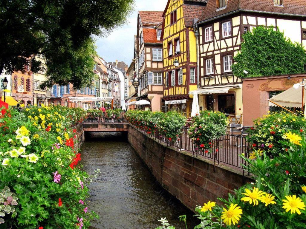"""Nơi đây còn được du khách ưu ái đặt tên """"tiểu Venice"""" trong lòng nước Pháp. Ảnh: Etoma"""