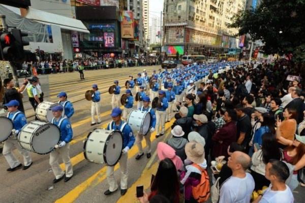 thoái Đảng, Hồng Kông, 300 triệu người,