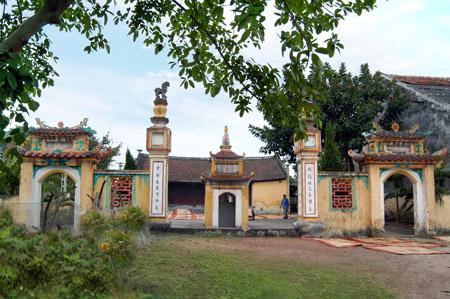 Ðình Quan Trạng xã Tân Lễ (Hưng Hà) nơi thờ Trạng nguyên Phạm Ðôn Lễ - ông tổ nghề chiếu