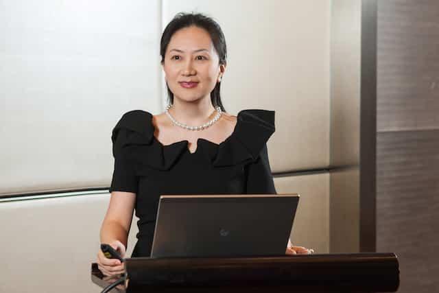 Bà Mạnh Vãn Châu, Phó chủ tịch Hội đồng quản trị kiêm Giám đốc Tài chính của Tập đoàn Huawei. Bà Mạnh cũng là con gái của người sáng lập Huawei Nhập Chính Phi (Ảnh từ trang web của Huawei)