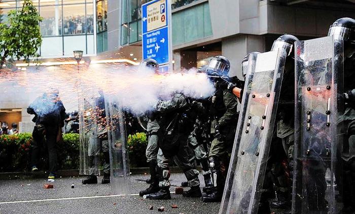 Cảnh sát đàn áp biểu tình Hồng Kông