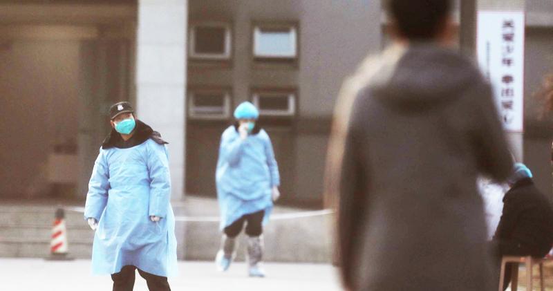 Dịch viêm phổi Vũ Hán đã diễn ra được hơn 2 tháng, trong thời gian này, các thảm kịch liên tục xảy ra khắp nơi ở Trung Quốc. (Ảnh: Standard)