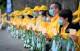 Các học viên Pháp Luân Công đã tổ chức buổi thắp nến tưởng niệm trước Lãnh sự quán Trung Quốc tại Vancouver ngày 10/7/2020. (Ảnh qua Epoch Times)