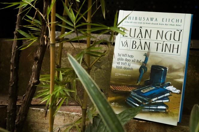 """Sách """"Luận ngữ và bàn tính"""" đã được dịch sang tiếng Việt. (Ảnh từ báo """"Sinh Viên Việt Nam"""")"""
