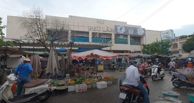 Chợ Phú Lâm.